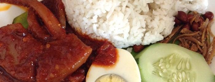 Teh Laris Cafe is one of jalan2 cari makan seksyen 13 shah alam.