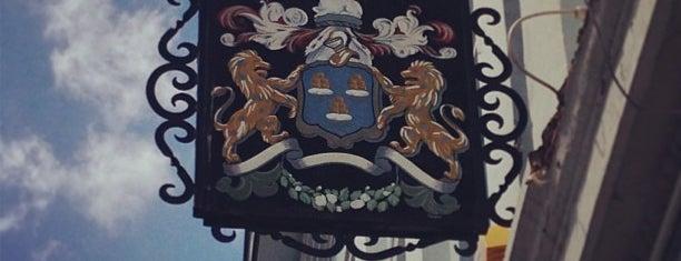 The Drapers Arms is one of Бургеры в Лондоне.