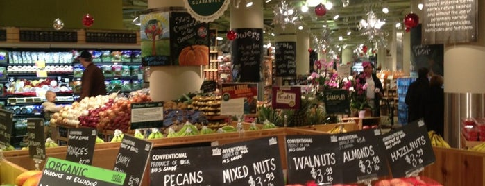 Whole Foods Market is one of The 15 Best Places for a Healthy Food in Toronto.