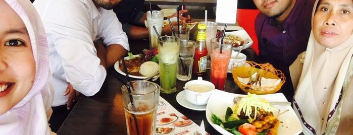 Secret Recipe is one of Makan @ Melaka/N9/Johor #15.