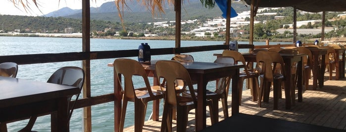 Kaya Restaurant (Mavi Yengeç) is one of Lokantalar.