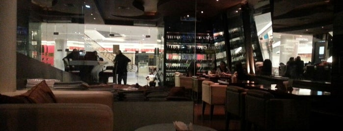 Apero Wine Lounge & Bar is one of Nightlife Spots @ Jakarta.