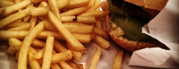 Madero Burger & Grill is one of Coxinha ao Caviar.