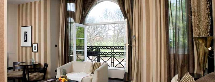 Baglioni Hotel is one of The 15 Best Places That Are Good for Dates in London.