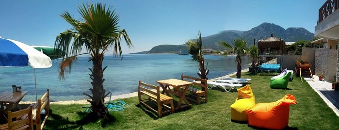 Taş Ada is one of İzmir.