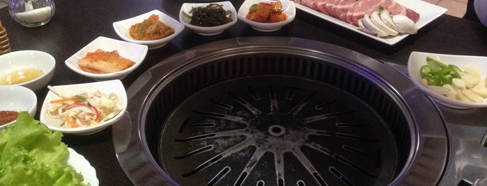 Korean BBQ гриль is one of Кафе Питера.