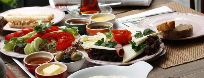 Cafe&Shop is one of İstanbul Yeme&İçme Rehberi - 5.