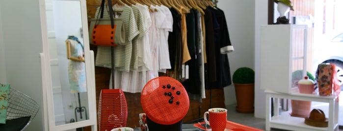 El Pajaro Invisible is one of Tiendas bonitas.