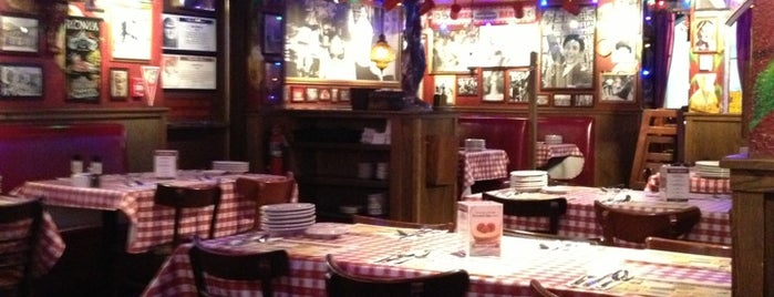 Buca Di Beppo Italian Restaurant Is One Of The 7 Best Places For Seafood Sauce In