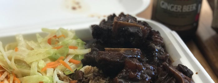 Fireside Jamaican Restaurant is one of Let's Eat!.