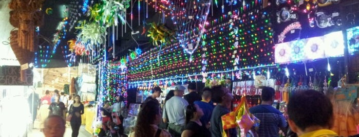 Geylang Serai Market & Food Centre is one of Awesome Food Places All Over.