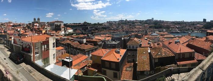 Miradouro das Virtudes is one of Porto, Portugal.