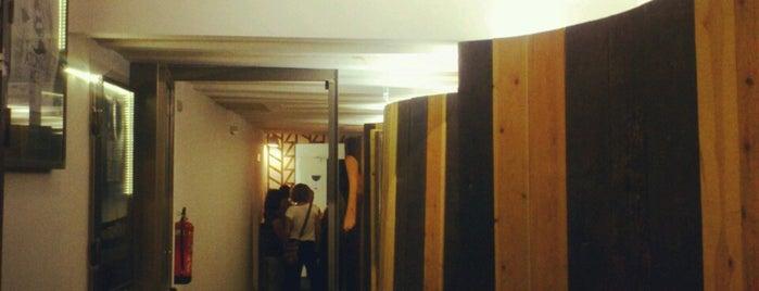 Zumzeig Cinema is one of Restaurantes Bcn.