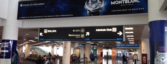 Gate D12 is one of Viajes.