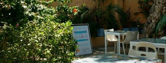 Hotel Boutique La Casa del Farol is one of Mis hoteles favoritos.
