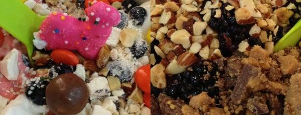 Yogurtland Brentwood is one of David & Dana's LA BAR & EATS!.