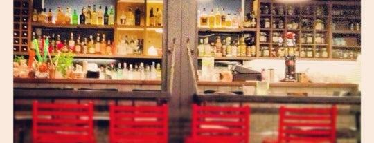 Σπίτι Cocktail Bar is one of Live in Athens.