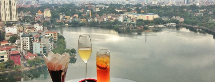 Summit Lounge at Sofitel Plaza Hanoi is one of Cafe. chân dài.