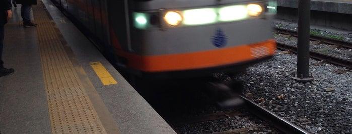 Ataköy - Şirinevler Metro İstasyonu is one of M1A / M1B - Metro İstasyonları.