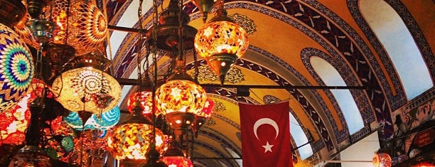 Grand Bazaar is one of istanbul turist stayla.