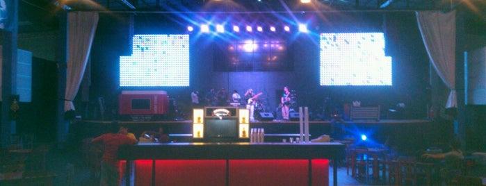 Garage - Cultura En Vivo is one of Discotecas y Bares De Lima.