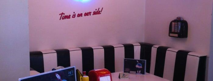 Intergalactic Diner is one of Belgrad.