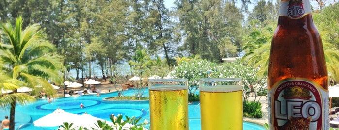 Swimming Pool is one of Надо посетить.