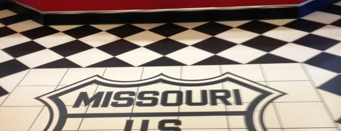 Missouri Route 66 Welcome Center is one of Places I End Up Frequently.