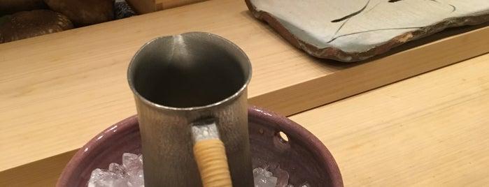 鮨 かず矢 is one of 大人が行きたいうまい店2 福岡.