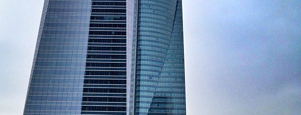 Hotel Eurostars Madrid Tower is one of Mis hoteles favoritos.