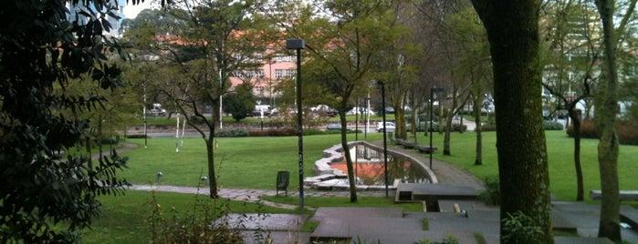Praça da Galiza is one of Tania.