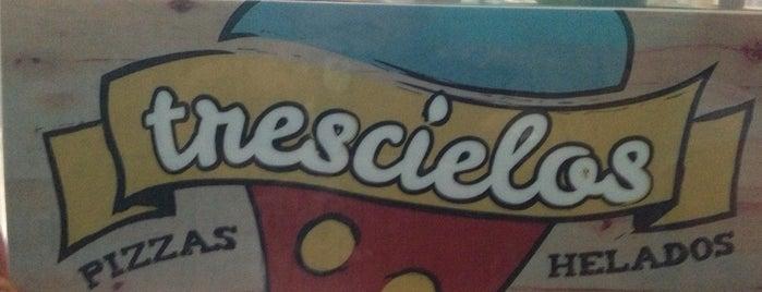 Trescielos Pizzas y Helados is one of Cerveza Artesanal.