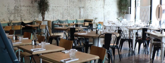 Auteuil Brasserie is one of Food Paris.