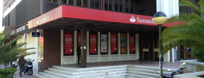 Banco Santander is one of Bancos/Cajeros.