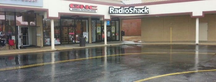 RadioShack is one of Been there / &0r Go there.