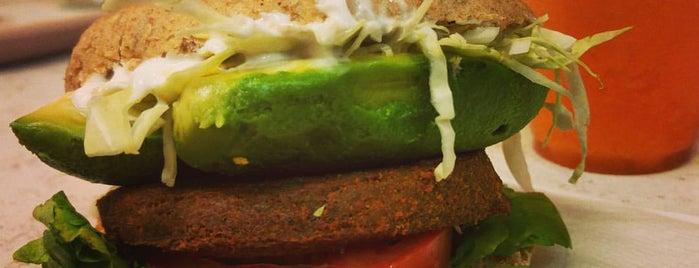 Burger Mel is one of Tenerife: zumerias y cafeterias..