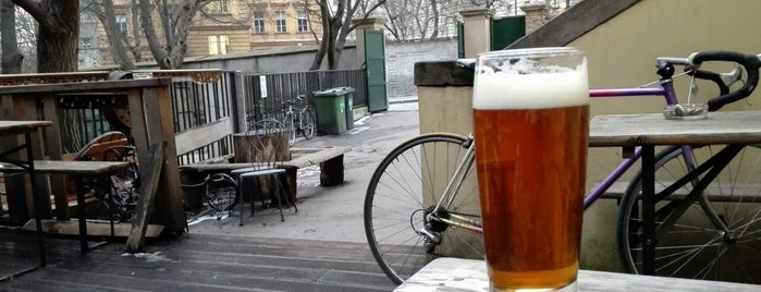 Studentský klub Mrtvá Ryba is one of The 13 Best Places for Guinness in Prague.