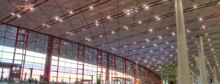Beijing Capital International Airport (PEK) is one of China.