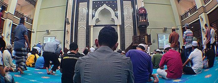 Masjid Usamah Bin Zaid is one of masjid.