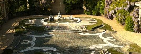 Dumbarton Oaks Gardens is one of Members.