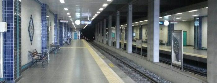 Bakırköy - İncirli Metro İstasyonu is one of M1A / M1B - Metro İstasyonları.