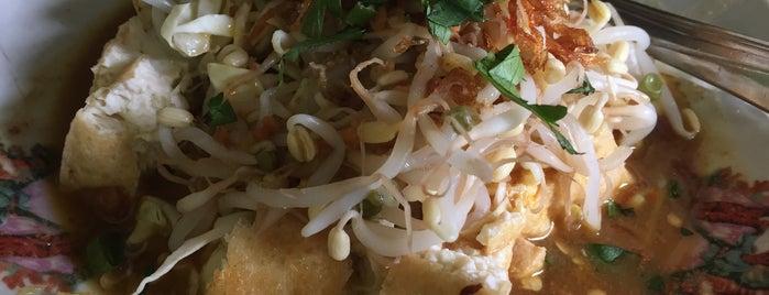 Kupat Tahu Pak Slamet is one of Top 10 restaurants when money is no object.
