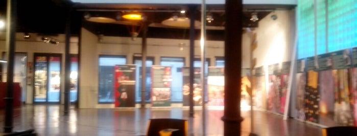 Octubre Centre de Cultura Contemporània is one of VA\LEN\CIA.