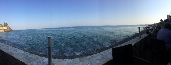 Malibu Beach Bar is one of Restaurantes Malaga.