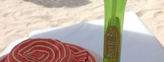 Beach Hut Bar is one of Boracay.