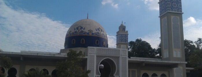 Masjid Al-Muhajirin is one of Baitullah : Masjid & Surau.