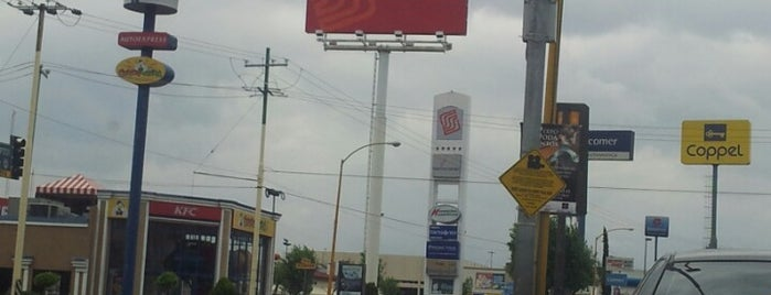 Soriana is one of Centros Comerciales.