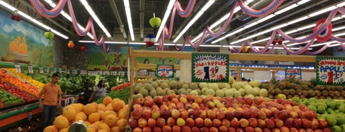 Stanley's Fruit And Vegetables is one of 100 Best Places in Chicago: TOC Staff Picks.