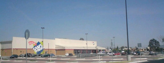 Sam's Club is one of Off trade Qro.