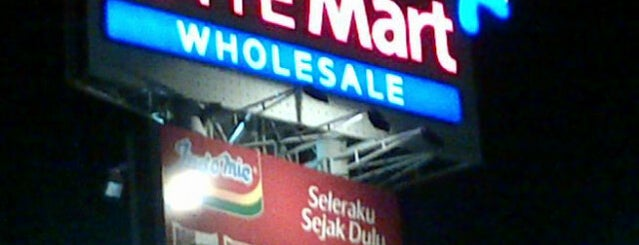 LotteMart Wholesale is one of Places in Pamulang. Tangerang..